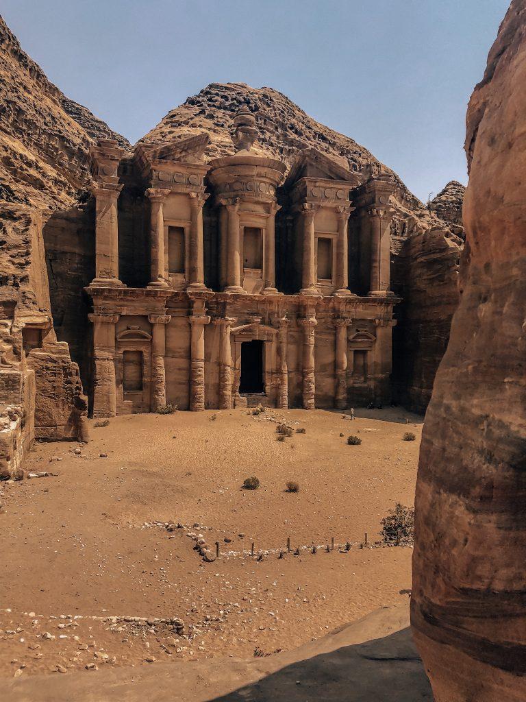 Ju on the Road - Roadtrip de 7 jours en Jordanie : conseils et itinéraire - Pétra et le monastère