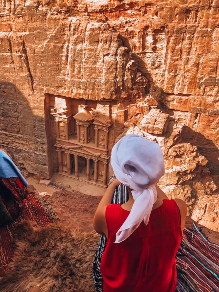 Découvrir la Cité Antique de Petra en 2 jours - Ju on the road - vue sur le trésor